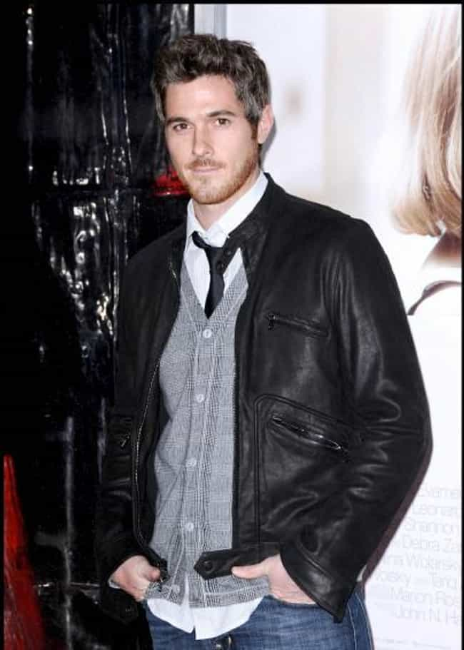 Dave Annable in Goods & Co... is listed (or ranked) 3 on the list Hot Dave Annable Photos