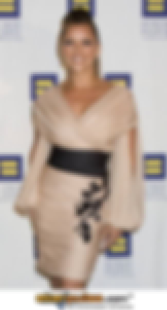 Vanessa Williams in Japanese-i... is listed (or ranked) 3 on the list Hottest Vanessa Williams Photos
