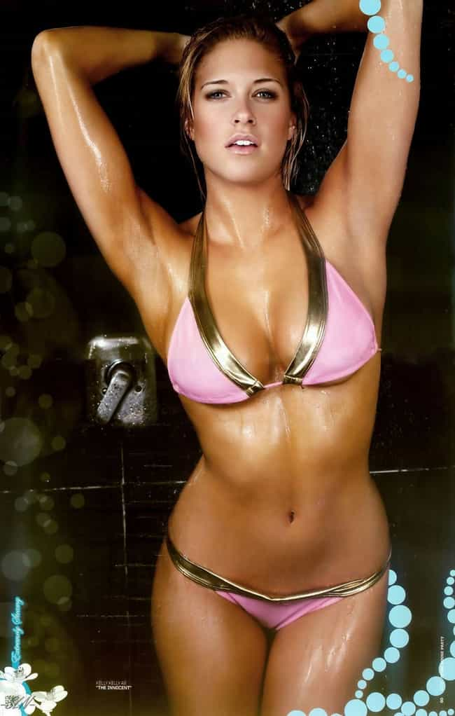 Kelly Kelly Using All Her Wres... is listed (or ranked) 1 on the list The Sexiest Kelly Kelly Pictures of All Time