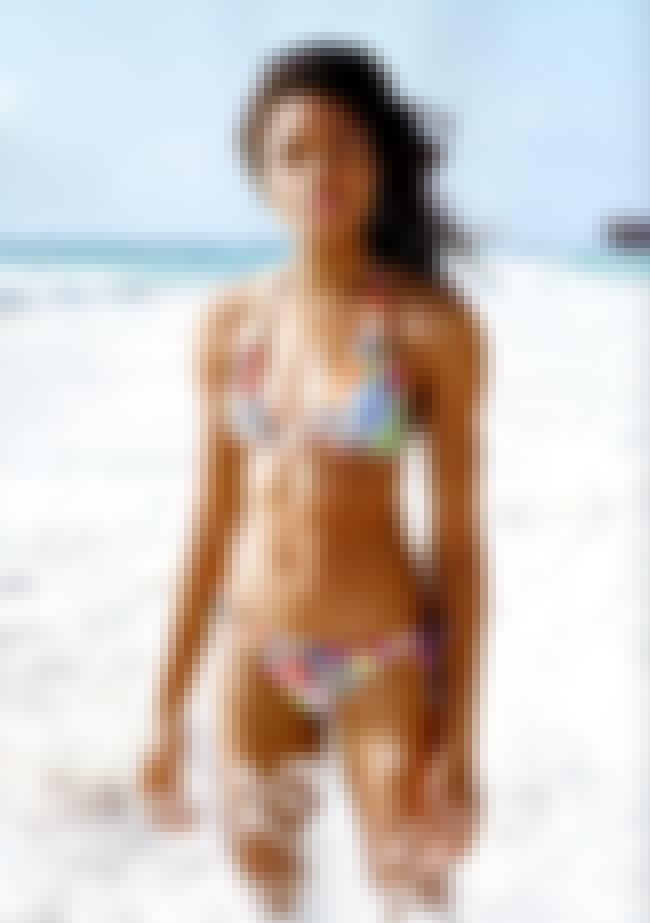 Naomie harris bikini