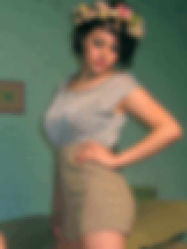 Alia Shawkat in High Waist Sho... is listed (or ranked) 3 on the list Hottest Alia Shawkat Photos