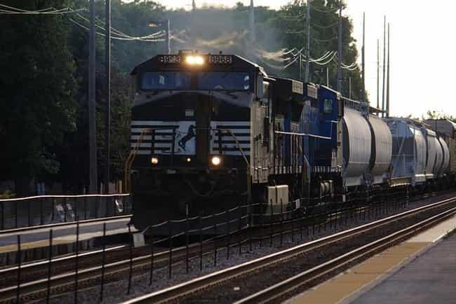 GE Dash-9 Series Locomot... is listed (or ranked) 4 on the list The Best U.S. Diesel Locomotives