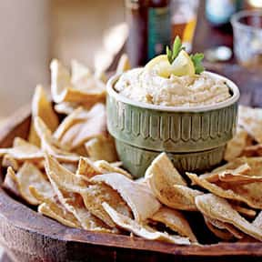 Pita Bread and Hummus is listed (or ranked) 25 on the list The Best Picnic Foods