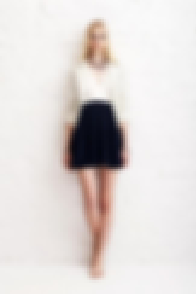 Taylor Momsen In A Fashion Sho... is listed (or ranked) 4 on the list Taylor Momsen Feet Pics