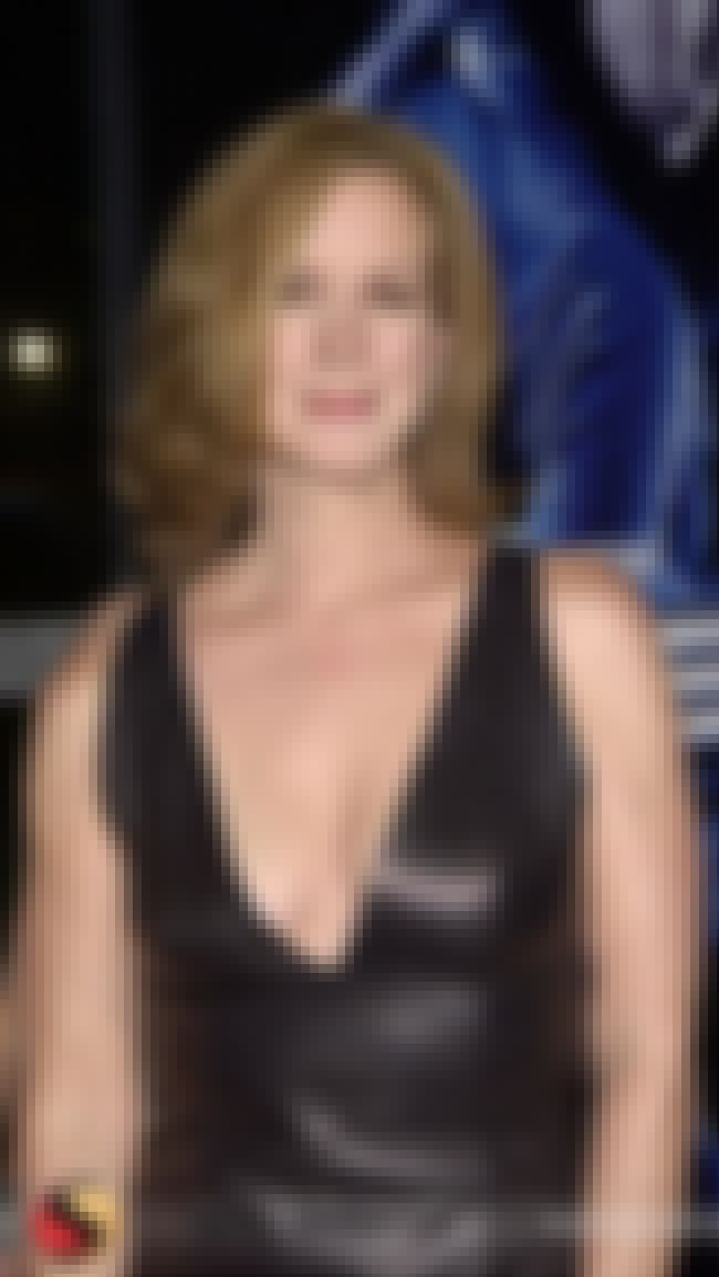 Elizabeth Perkins in V-neck Le... is listed (or ranked) 4 on the list Hottest Elizabeth Perkins Photos