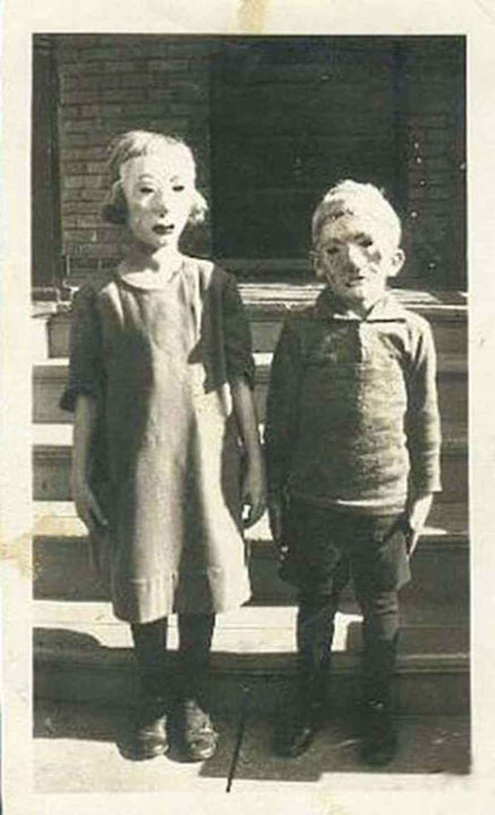 Terrifying Vintage Halloween Costumes | Creepy Old Halloween Costumes