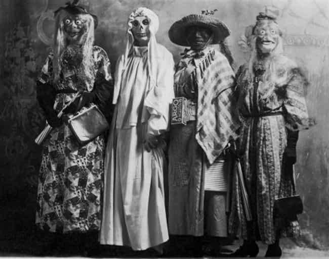 Terrifying Vintage Halloween Costumes  Creepy Old Halloween Costumes
