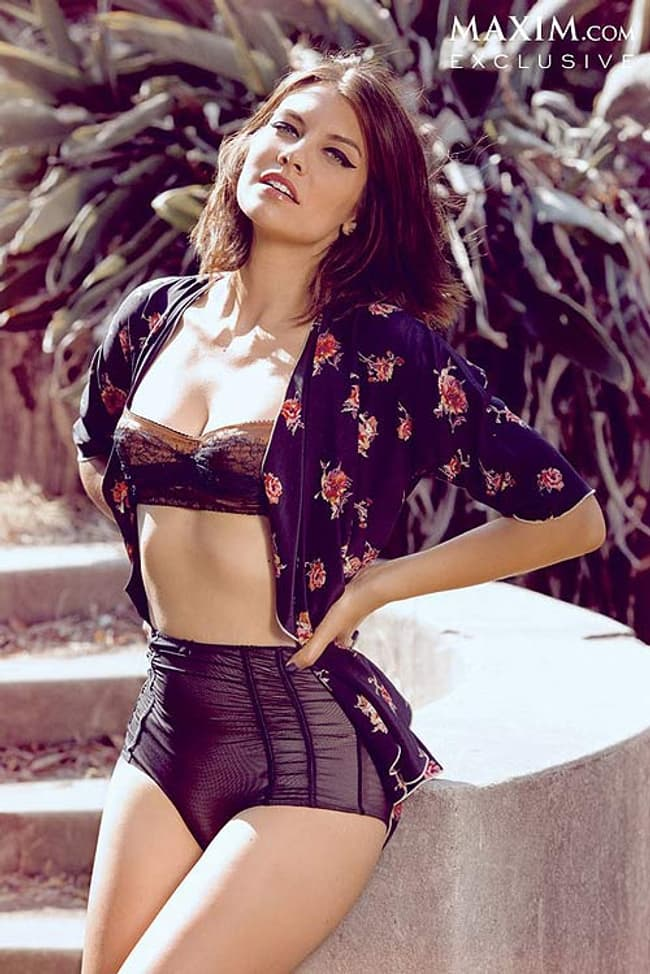 Lauren Cohan In High Waisted L Is Listed Or Ranked