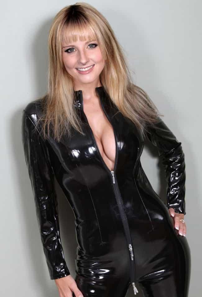 Melissa Rauch Bernadette Gif 1