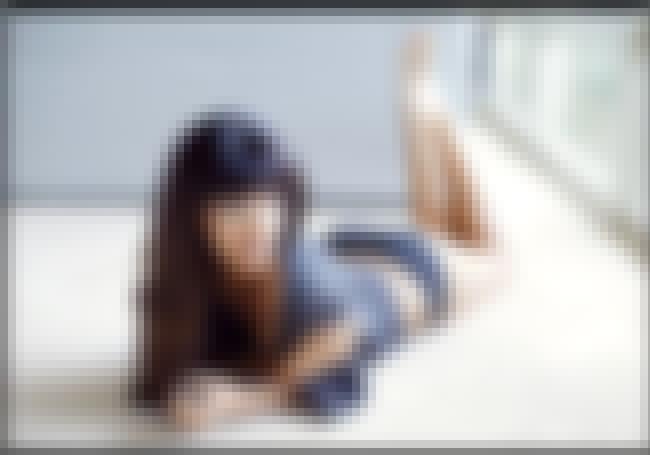 Hannah Simone Lying On the Flo... is listed (or ranked) 3 on the list Hannah Simone Feet Pics