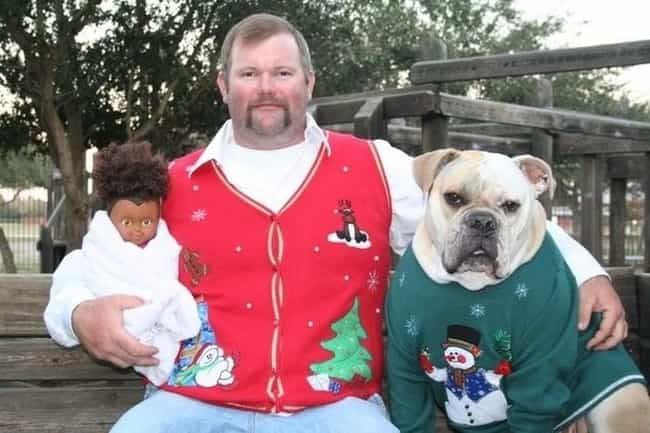 Modern Family is listed (or ranked) 3 on the list Awkwardly Hilarious Family Christmas Photos