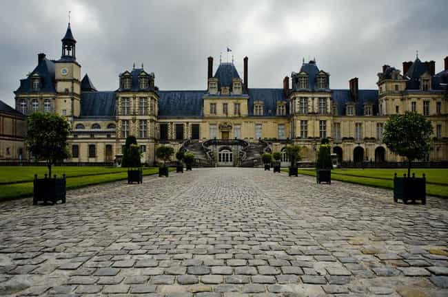 Chateau De Fontainebleau is listed (or ranked) 3 on the list The Most Beautiful Castles in France