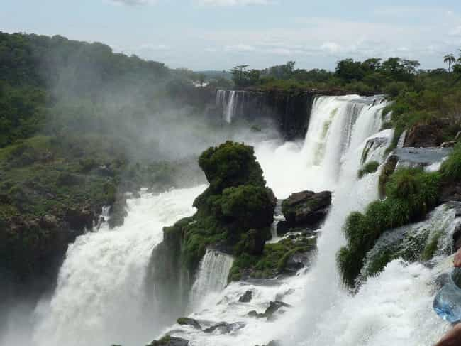 Igazu Falls is listed (or ranked) 2 on the list The Most Stunningly Gorgeous Places on Earth