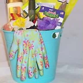 Garden Supplies is listed (or ranked) 24 on the list Fun Gift Basket Ideas