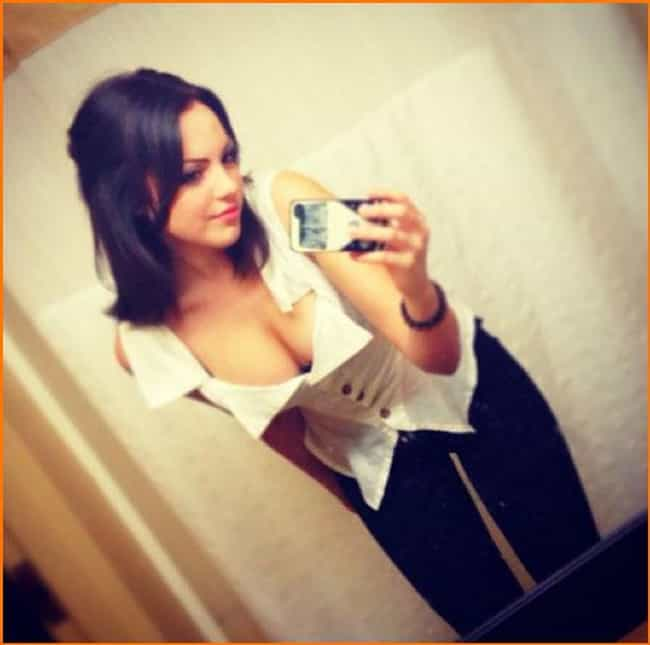 Elizabeth Gillies in White Shi... is listed (or ranked) 1 on the list The Hottest Elizabeth Gillies Photos