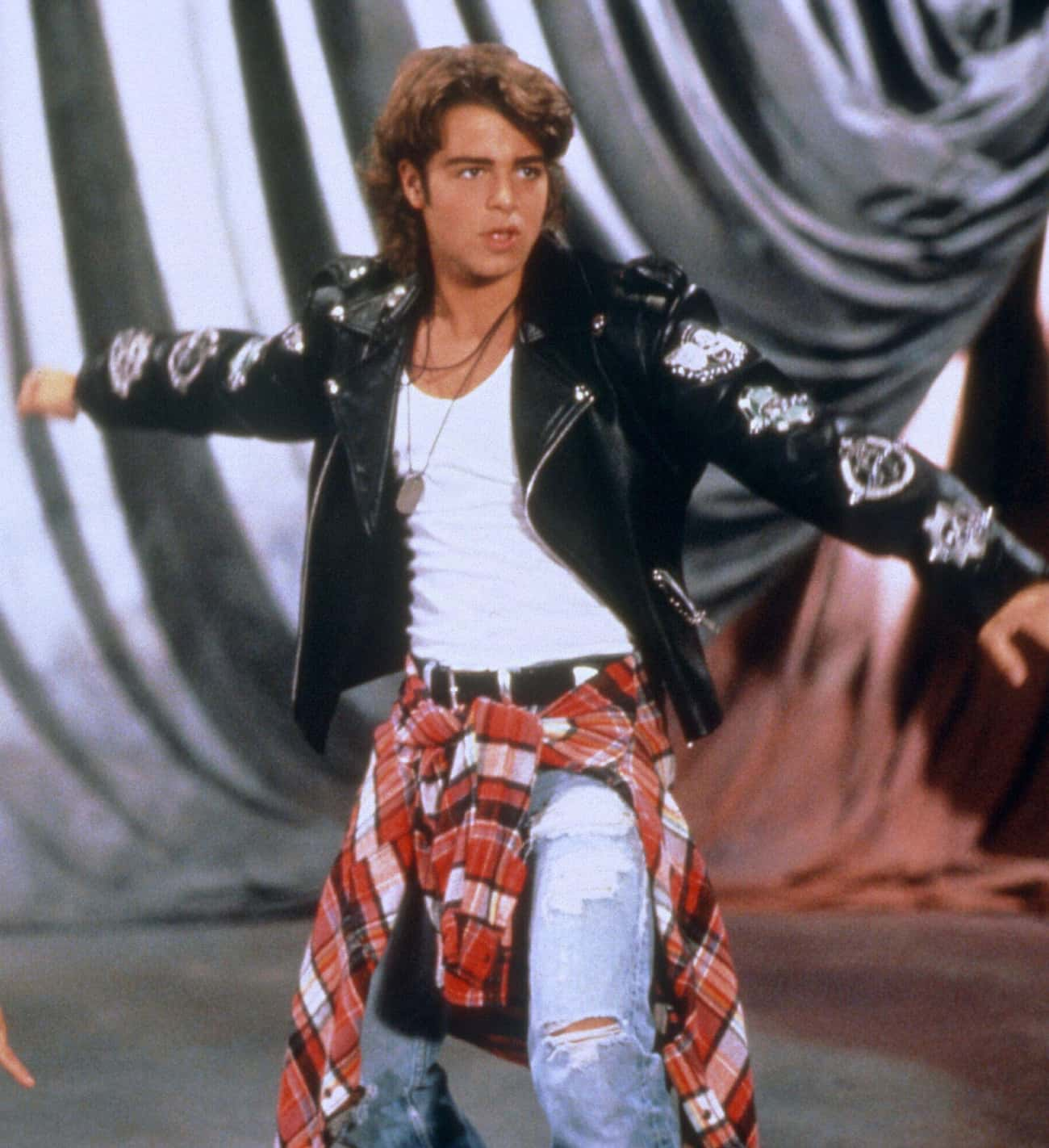 Sweaters Tied Around the Waist is listed (or ranked) 3 on the list Embarrassing '90s Clothes You Used to Rock