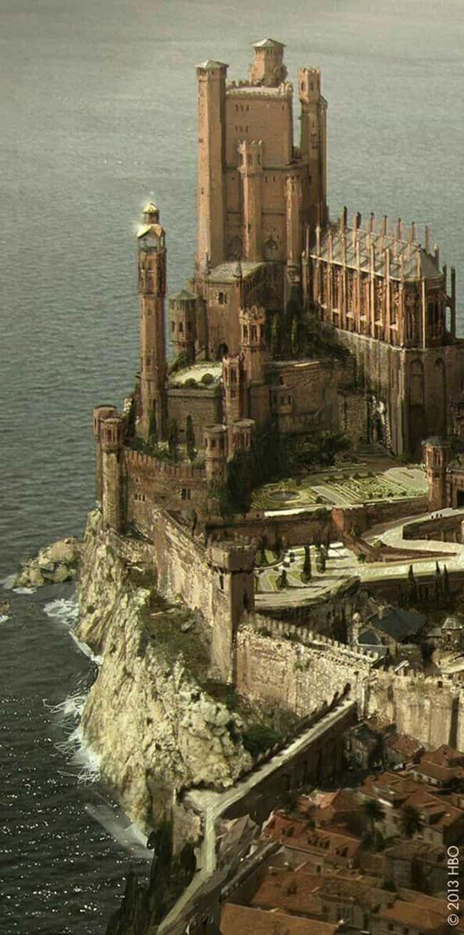 King's Landing is listed (or ranked) 2 on the list A History of the Top 15 Locations in Westeros