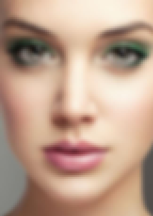 Highlight the Inner Corners of... is listed (or ranked) 4 on the list 10 Ways to Wear Green Eyeshadow