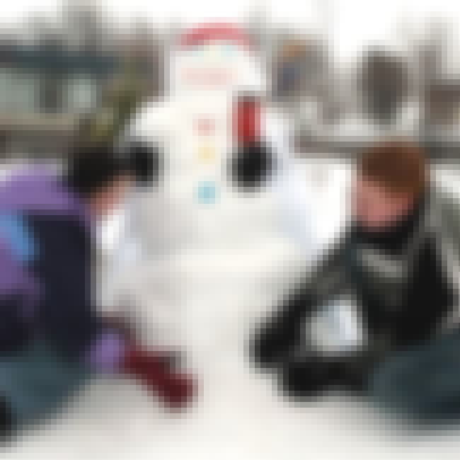 Build a Snowman is listed (or ranked) 4 on the list Date Ideas for Winter