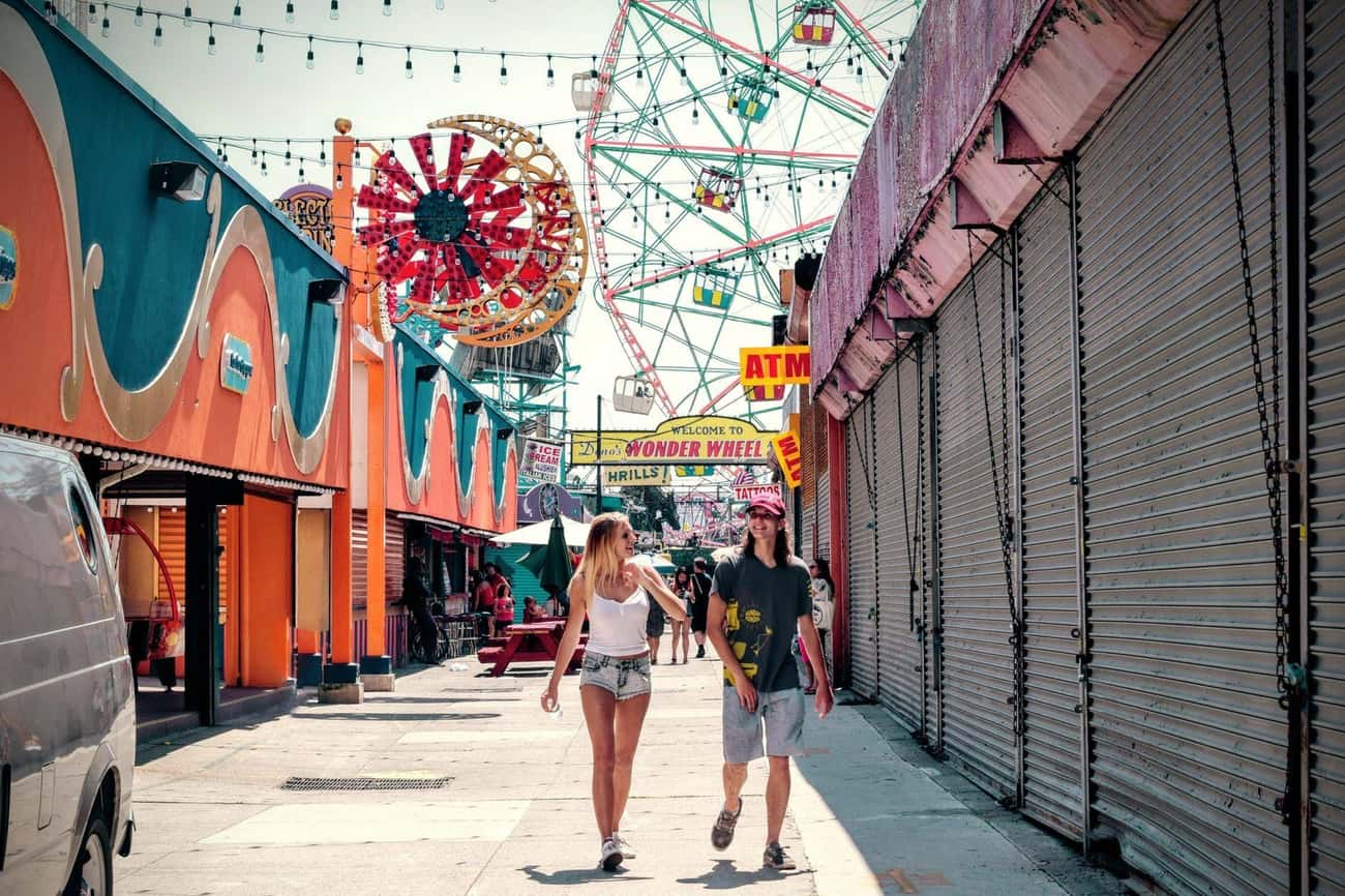 Amusement Park is listed (or ranked) 4 on the list Cheap and Easy Date Ideas for College Students