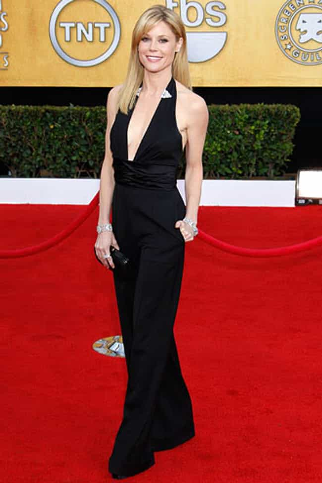 Julie Bowen in Black V-neck Pl... is listed (or ranked) 1 on the list The Most Stunning Julie Bowen Photos