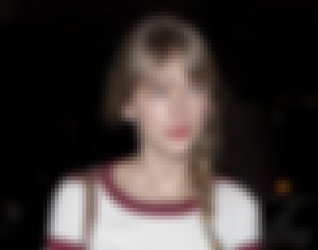 Casual Cutie is listed (or ranked) 2 on the list 18 Pictures of Taylor Swift Not Wearing Makeup