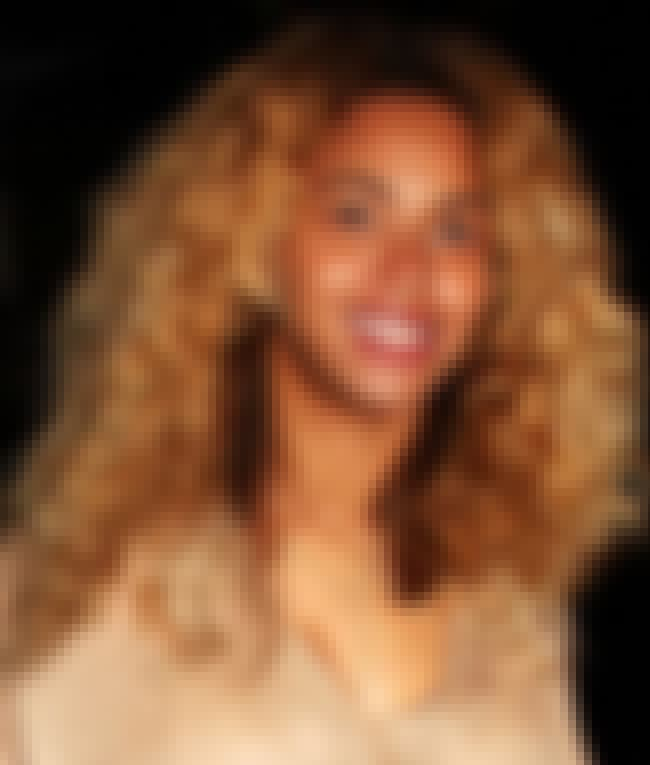 Smile is listed (or ranked) 3 on the list 25 Pictures of Beyonce Without Makeup