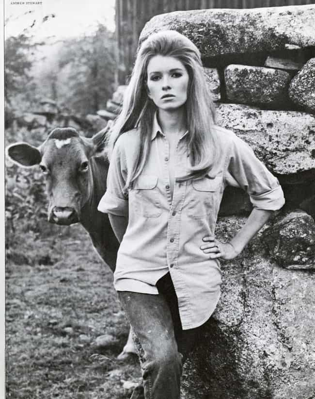 Hanging out with a cow is listed (or ranked) 2 on the list The Most Stunning Pictures Of A Young Martha Stewart