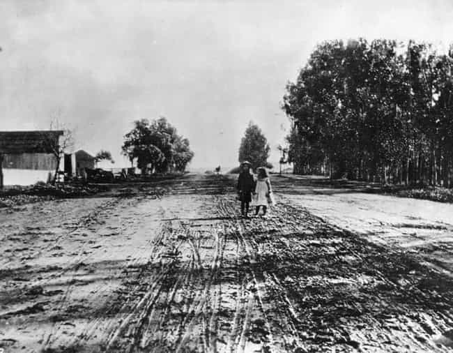 Sunset Blvd., 1906 is listed (or ranked) 3 on the list 40 Mind-Blowing Photos of Historic Los Angeles