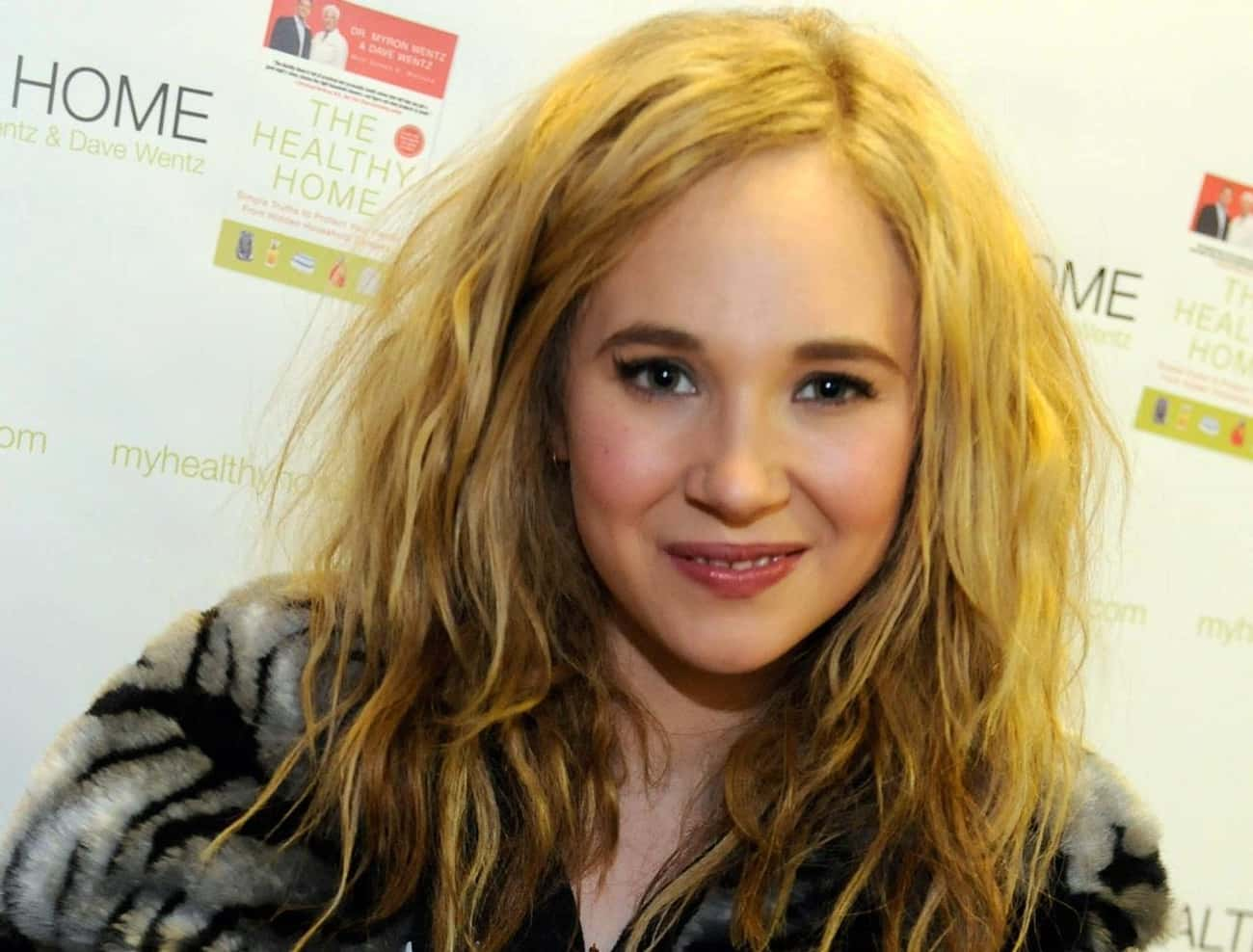 Juno Temple - Jen, the Dark Kn is listed (or ranked) 1 on the list The Hottest Women from the Batman Movies