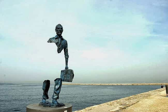 Les Voyageurs is listed (or ranked) 4 on the list The Most Amazing Statues in the World