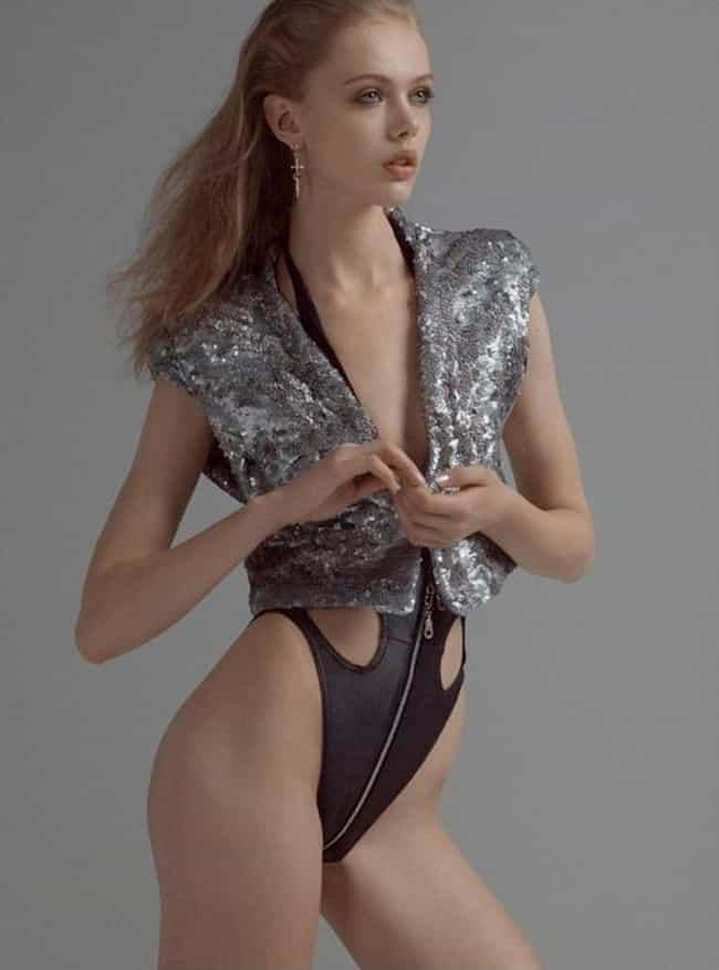 Robot Swimwear-Chique is listed (or ranked) 3 on the list The Hottest Frida Gustavsson Photos