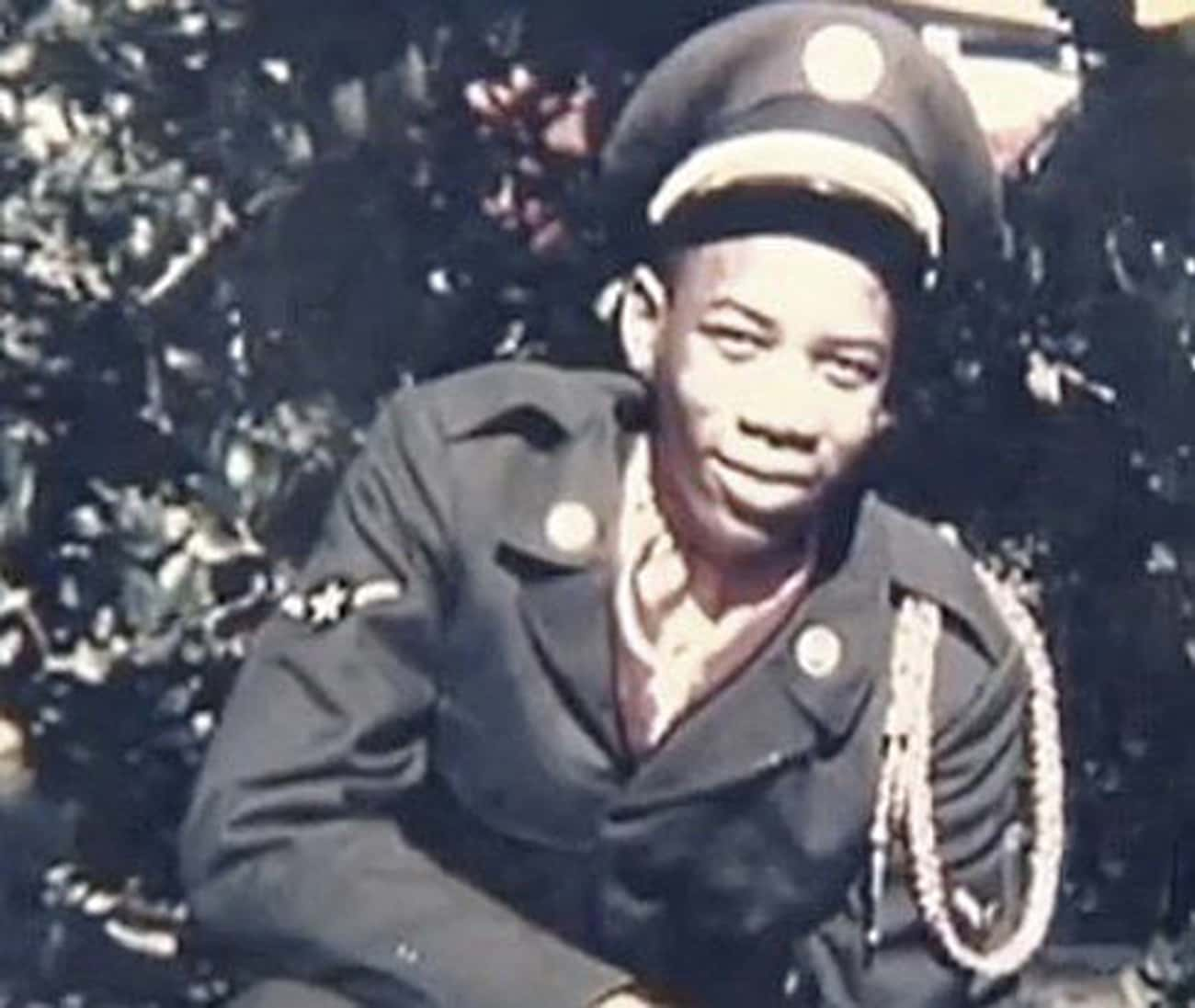 Young Morgan Freeman Playing H is listed (or ranked) 4 on the list 5 Photos of Young Morgan Freeman