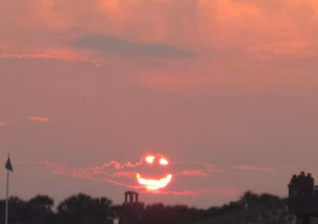 This Sunset is listed (or ranked) 3 on the list 60+ Everyday Objects That Look Really Happy