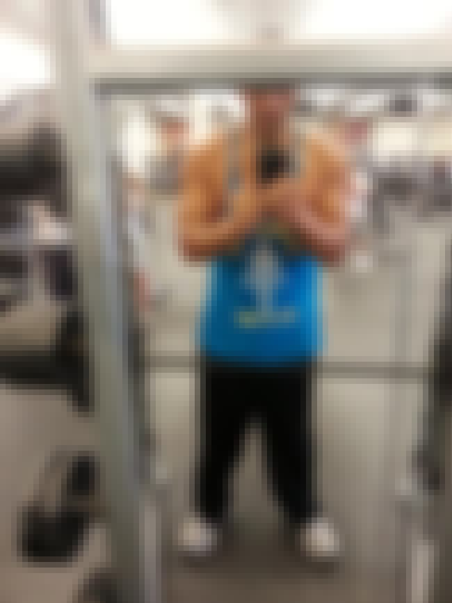 Selfie Takers is listed (or ranked) 7 on the list The Absolute Worst People at the Gym