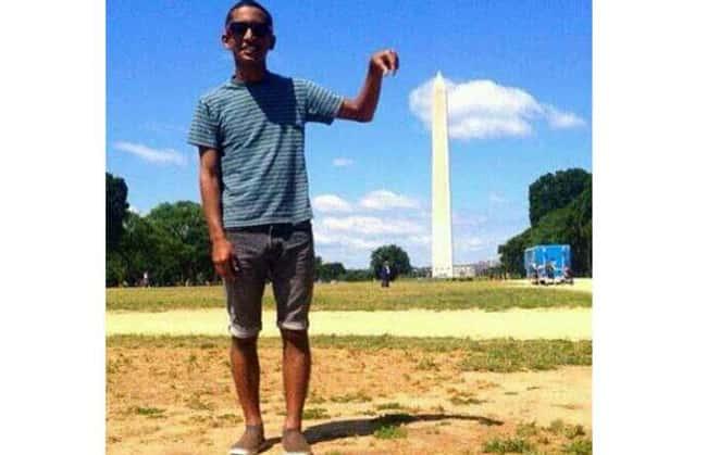 this dude catching imaginary flies photo u1?w=650&q=60&fm=jpg - Les 20 selfies les plus ratés de tous les temps