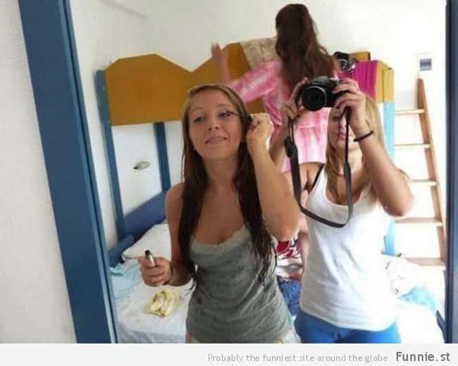 this picture where a girl s arms turn into a butt photo u1?w=650&q=60&fm=jpg - Les 20 selfies les plus ratés de tous les temps