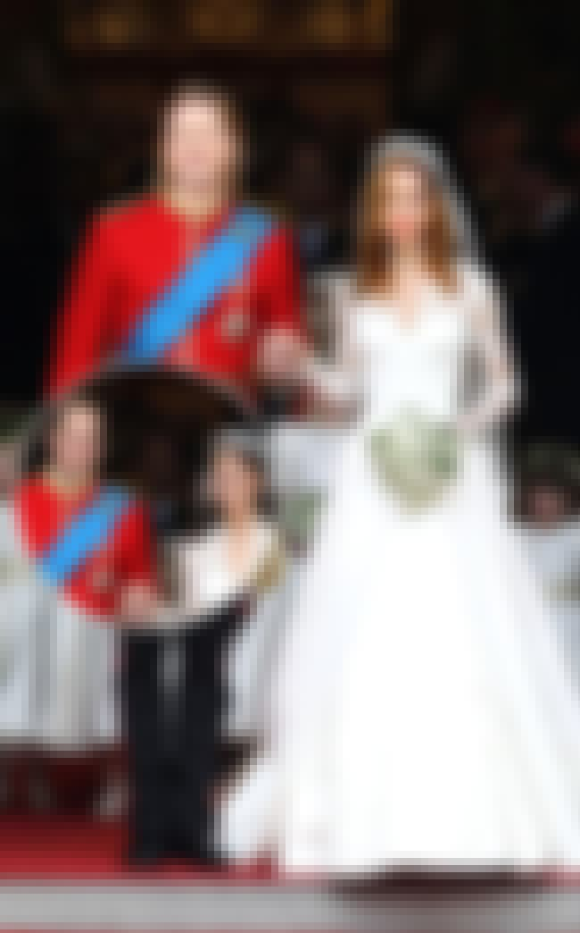 Brad Wore Red is listed (or ranked) 4 on the list 14 Dresses Angelina Jolie Did Not Get Married In