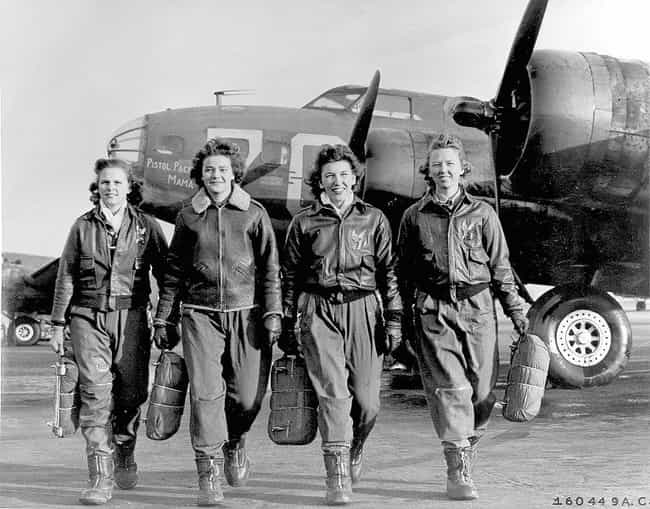 Female pilots leaving their B-... is listed (or ranked) 2 on the list 30 Powerful Photos of Women Who Changed History