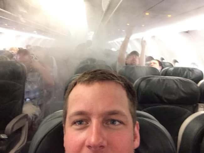 planes on fire lol photo u1?w=650&q=60&fm=jpg - Les 20 selfies les plus ratés de tous les temps
