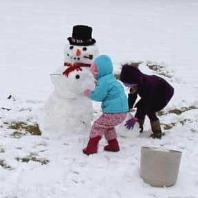 Building Snow Men is listed (or ranked) 16 on the list The Very Best Things About Winter