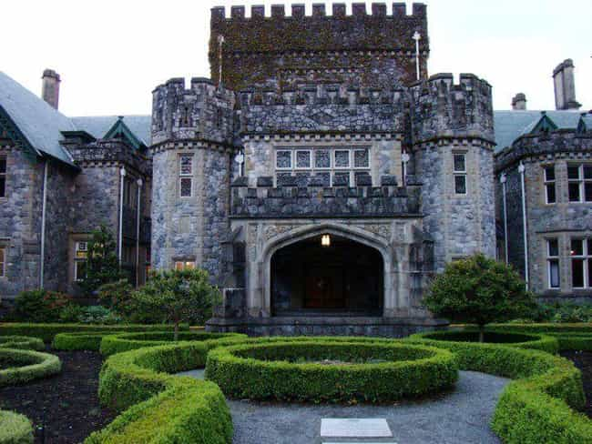 This castle is everywhere. is listed (or ranked) 1 on the list 20 Facts & Trivia You Didn't Know About Arrow