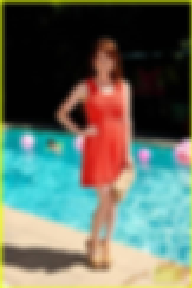 Ellie Kemper Standing Pool Sid... is listed (or ranked) 3 on the list The Best Ellie Kemper Feet Pics