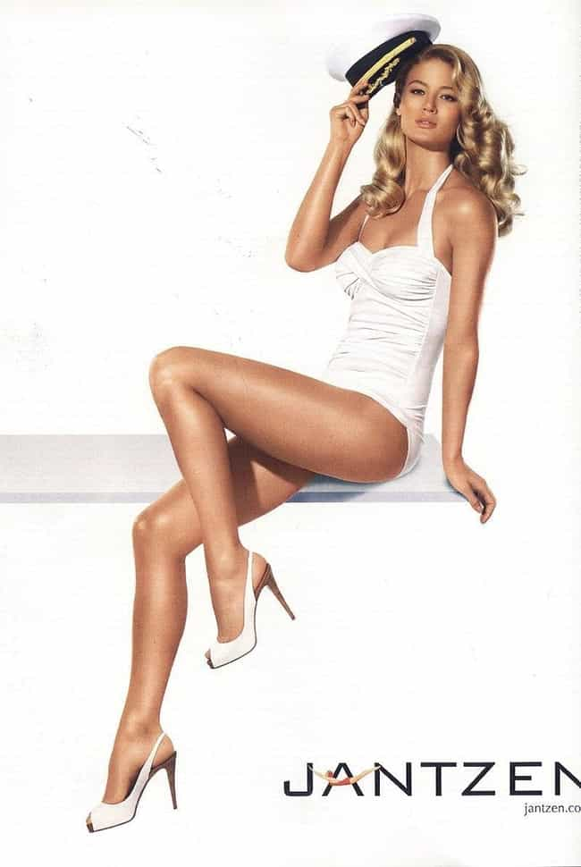 Michelle Buswell in a White On... is listed (or ranked) 3 on the list Hottest Michelle Buswell Photos