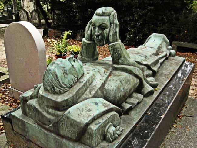 Head In Hands is listed (or ranked) 2 on the list Weirdly Fascinating And Bizarre Gravestones From Around The World