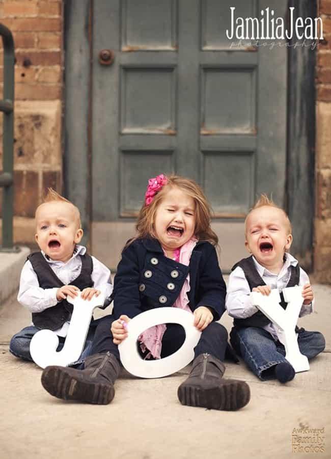 The 50 Most Awkwardly Hilarious Family Christmas Photos