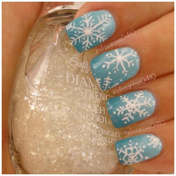 Image of Random Festive Nail Art Designs to Get You in the Holiday Spirit