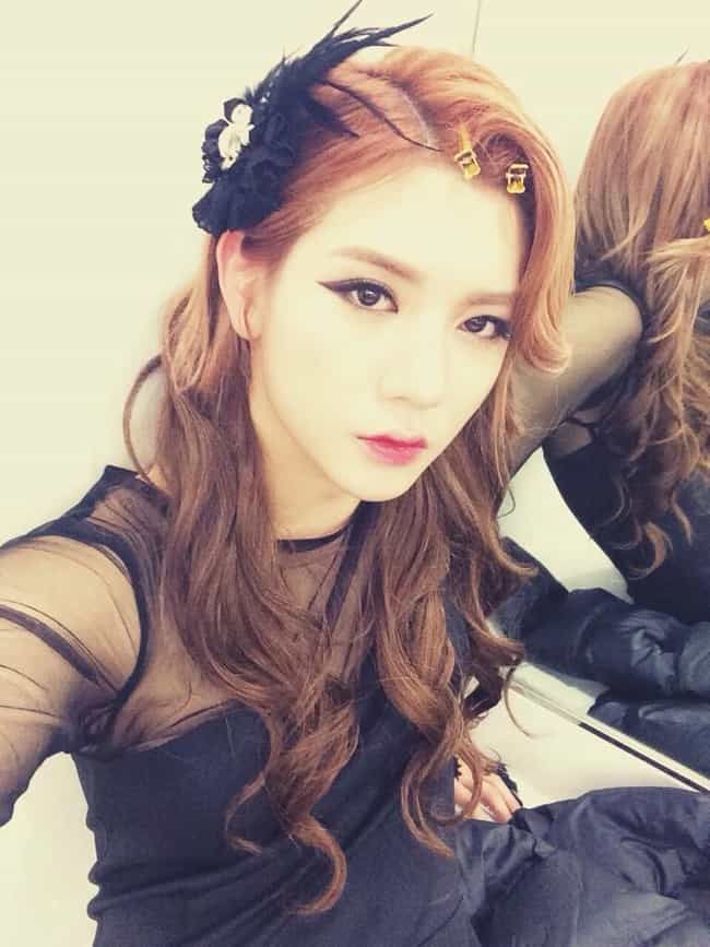 Ren is listed (or ranked) 4 on the list Male Kpop Idols Dressed Like Girls