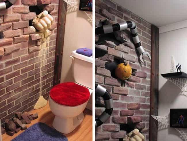 The Amazing Spider-(Man)-Toilet!