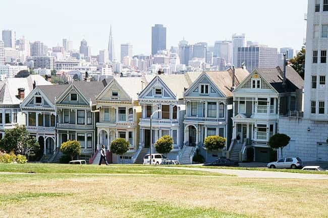 The Tanner House Was Wor... is listed (or ranked) 3 on the list 28 Behind the Scenes Facts from Full House